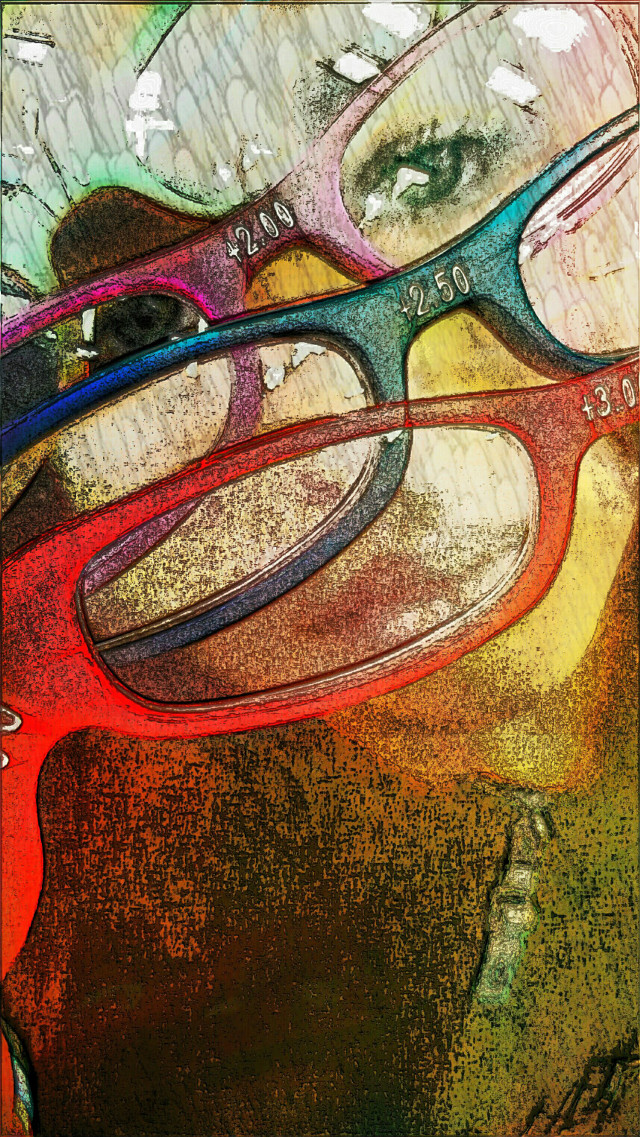 She wants to see it all #love #colorful #pencilart #people #emotions #travel #photography #textures #glasses