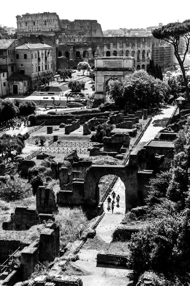 Rome. Black&white.  #blackandwhite #rome #monochrome #cityscape #street #rome