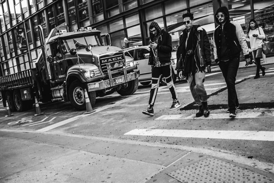 #blackandwhite #streetphotography #grittystreets #newyork #STREETTOGS #street #fuji #fashion #followme #people #love #photography #guys #mack #street